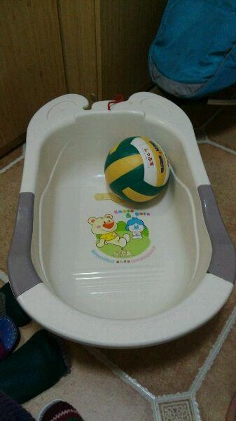 转让宝宝洗澡盆图片